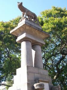 Statue in Resestencia
